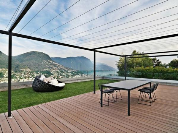 Terrassenüberdachung Design mit lichtdurchlässigem Geflecht