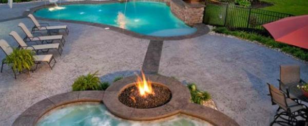 Garten pool und feuerstelle zusammenstellen 15 ideen for Gartengestaltung um den pool