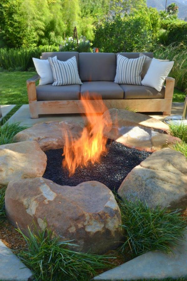 gartengestaltung ideen modern feuerstelle sofa
