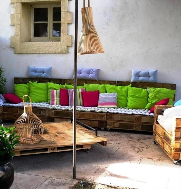 gartenmöbel palettensofa und couchtisch terrassengestaltung