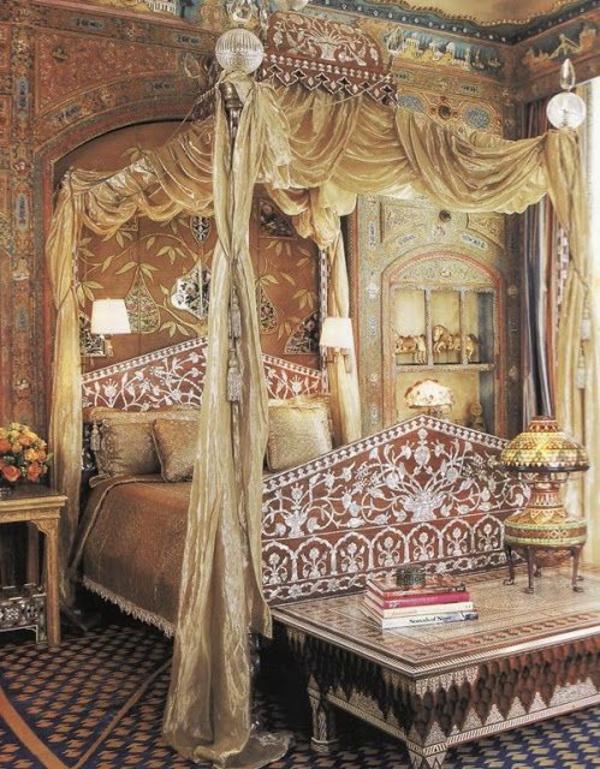 Himmelbett Schlafzimmer Designideen Goldene Akzente Tisch 40  Außergewöhnliche Betten Als Originelle Accessoires Zu Hause ...