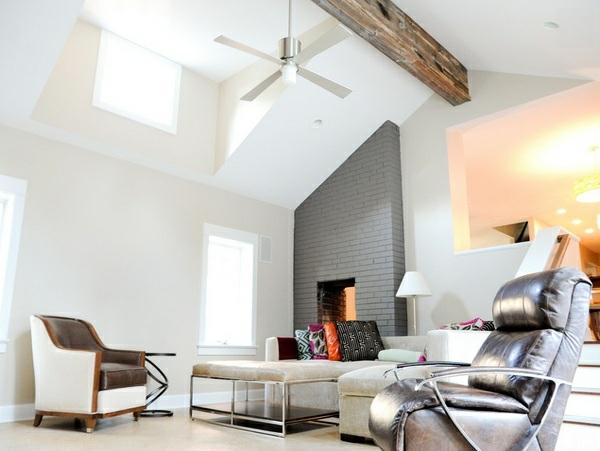 hohe zimmerdecke im wohnzimmer wandfarbe weiß