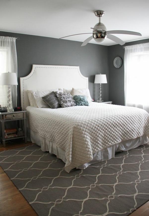 interior design schlafzimmer farbideen grau wand weiße bettdecke