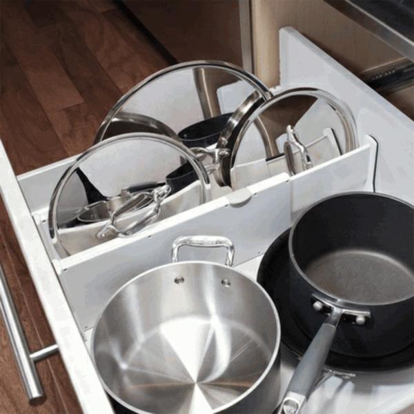 küche schubladeneinteilung einrichtung töpfe pfannen