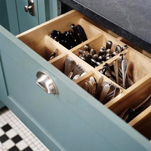 küche schubladeneinteilung praktische einrichtung besteck