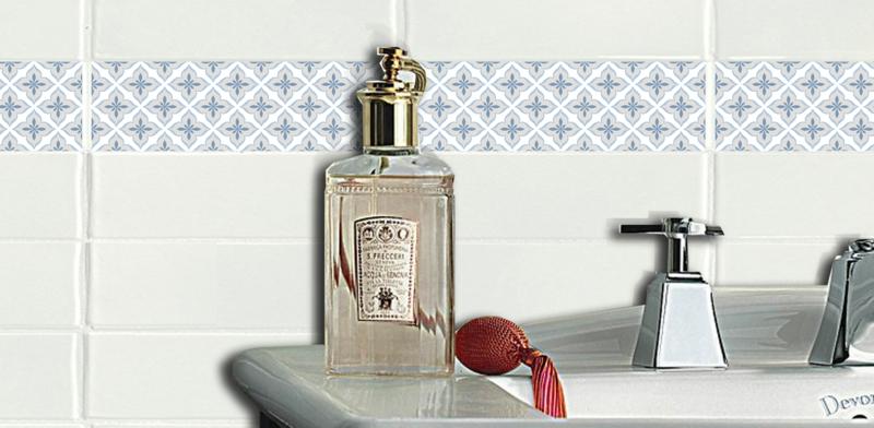 Klebefolie Fur Badezimmer Fliesen : Klebefolie für Fliesen  So können Sie alte Fliesen verschönern!