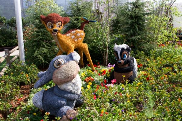 landschaft gartenskulpturen von comicfiguren ideen