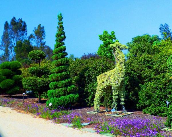 landschaft gartenskulpturen von comicfiguren  tiere ideen