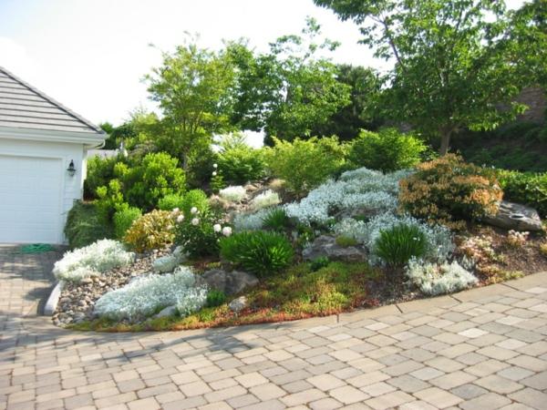 Moderne g rten 30 bilder und tipps f r landschaftsbau for Gartenbeet modern