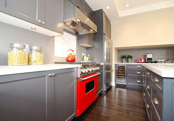 Küche Grau Rot | 15 Moderne Graue Kuchenschranke In Warmen Nuancen