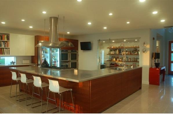 moderne küche l förmig kücheninsel als bar barhocker beleuchtung