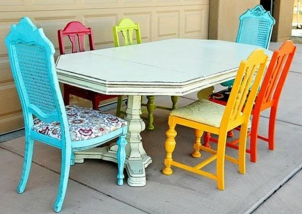outdoor möbel gastronomie esstisch farbige stühle