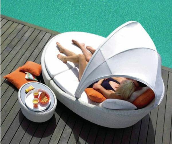 outdoor rattanmöbel lounge bett stilvoll