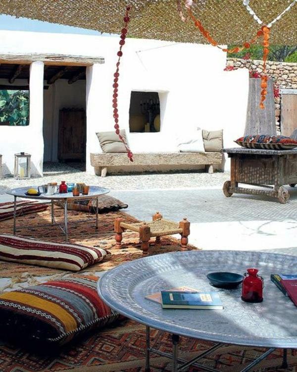 patio design marokkanischer stil terrassenteppich tisch