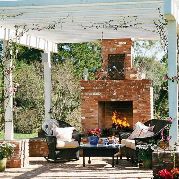 patio garten ideen pergola rustikal ziegel kamin