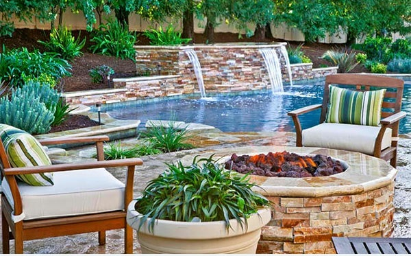 patio garten pool und feuserstelle gartenmöbel