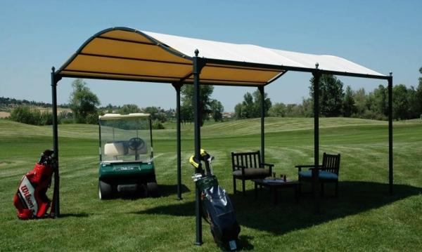 pergola metall sonnenschutz schattenspender rasen wiese golffeld