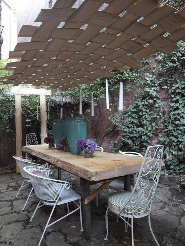 pergola selber bauen holzbohlen decke tisch