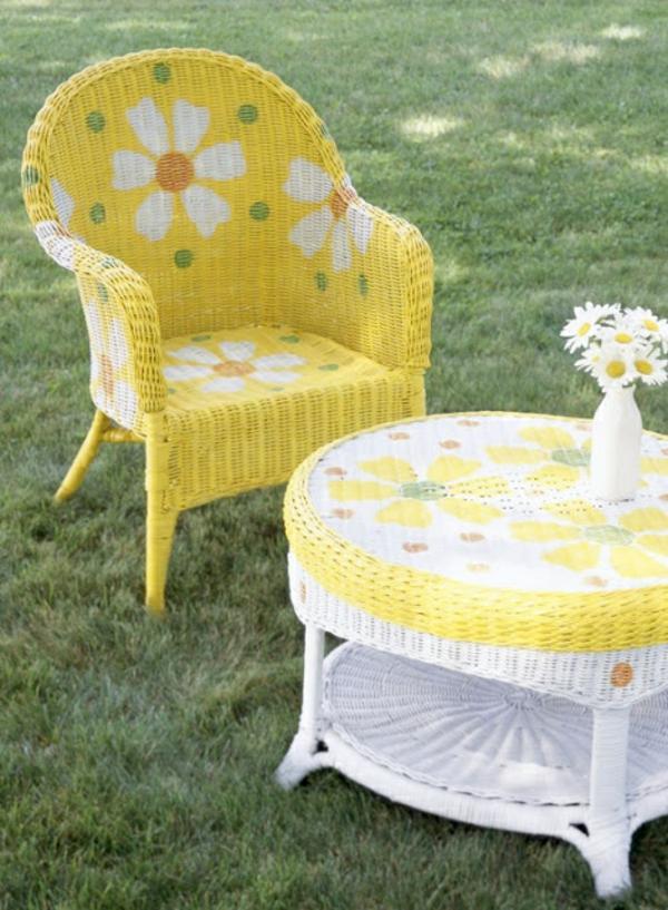 polyrattan muster gartenmöbel gelb blumen