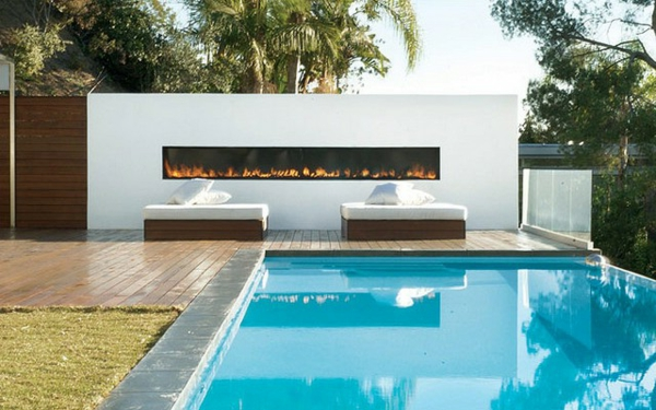 pool house outdoor feuerstelle helle atmosphäre