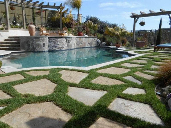raised bond beam pool flagstone gras