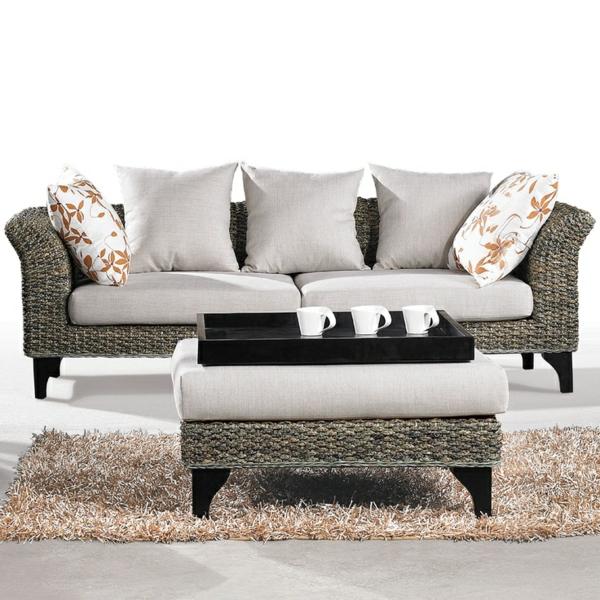 rattan sofa tisch schöne auflage
