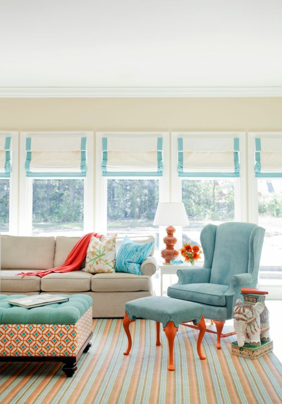 raumgestaltung farbe türkis wohnzimmer wandfarbe raffrollos teppichboden