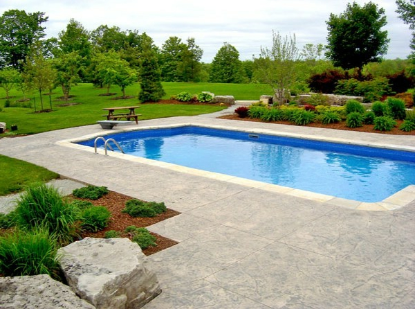 roman pool design stamped beton renaissance landschaft
