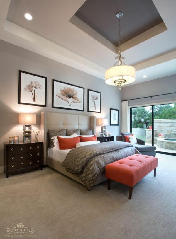 schlafzimmer farbideen neutral weiße bettwäsche bettbank