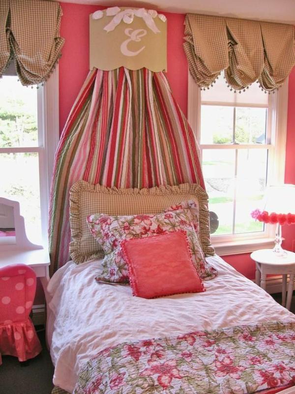 schlafzimmer gardinen gardinendekoration beispiele beige und weiß