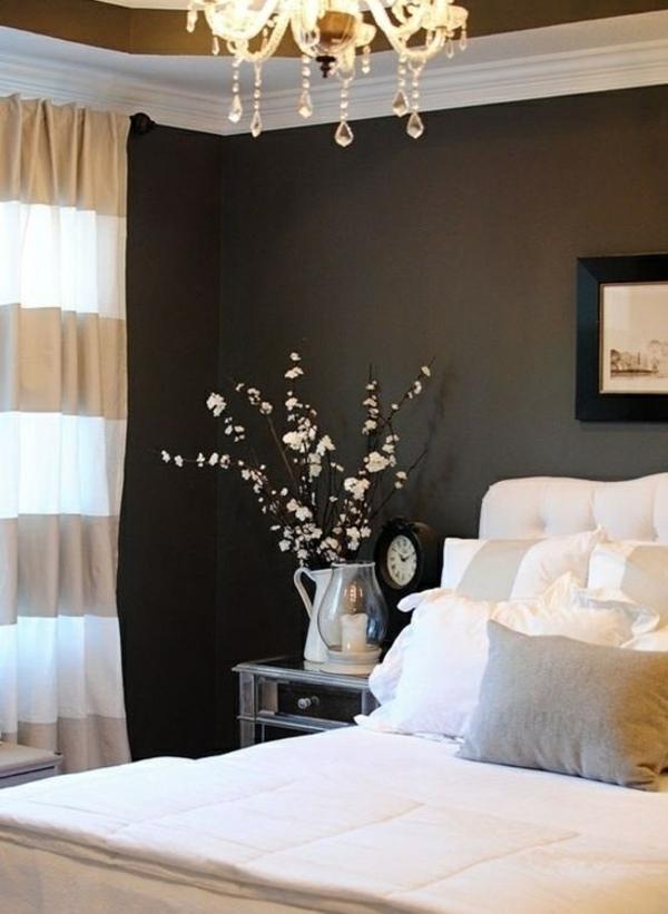 schlafzimmer gardinen gardinendekoration beispiele gold weiß dekoideen