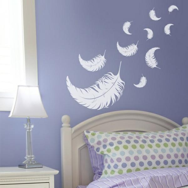 schlafzimmerwand gestalten dekoration federn