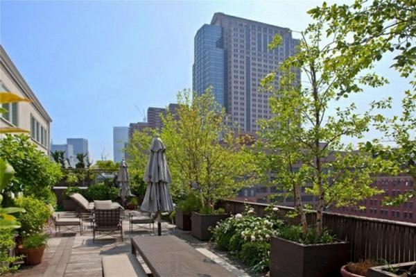 stadtwohnung dachterrasse gestalten dachbegrünung balkonpflanzen