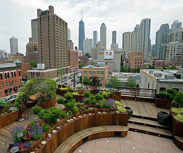 stadtwohnung dachterrasse gestalten ideen holzboden terrassendielen balkonpflanzen