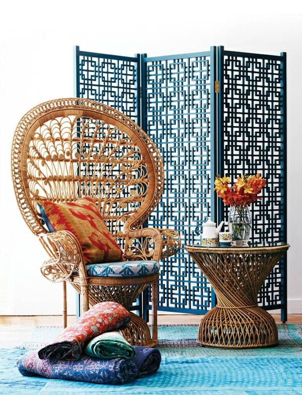 stilvolle rattanmöbel stuhl tisch dekowand sichtschutz