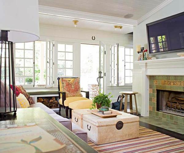 streifen teppich koffer couchtisch kamin wohnwand