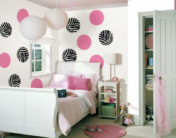 teen schlafzimmerwand gestalten farbige punkte pendelleuchten