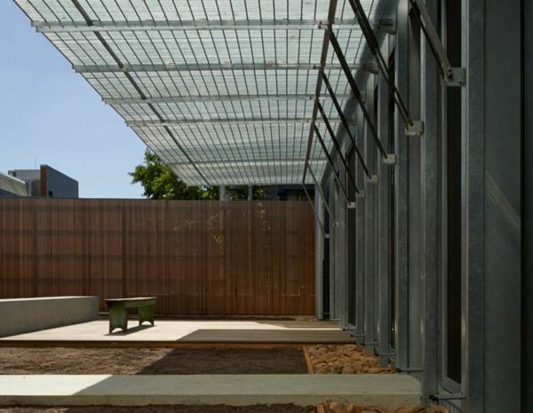 terrassenüberdachung pergola metall gartenmöbel terrassen sichtschutz bambus