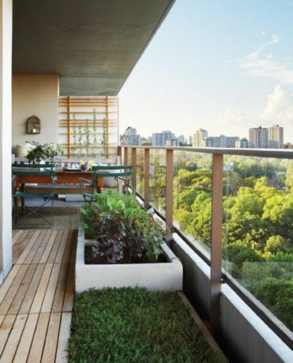 terrassengestaltung balkon seitensichtschutz glas