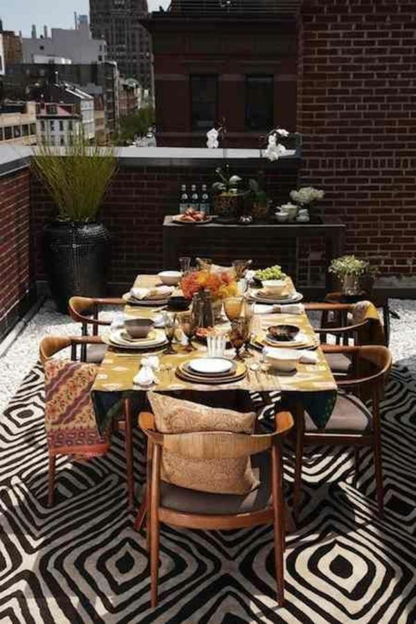 terrassengestaltung balkon seitensichtschutz ziegel