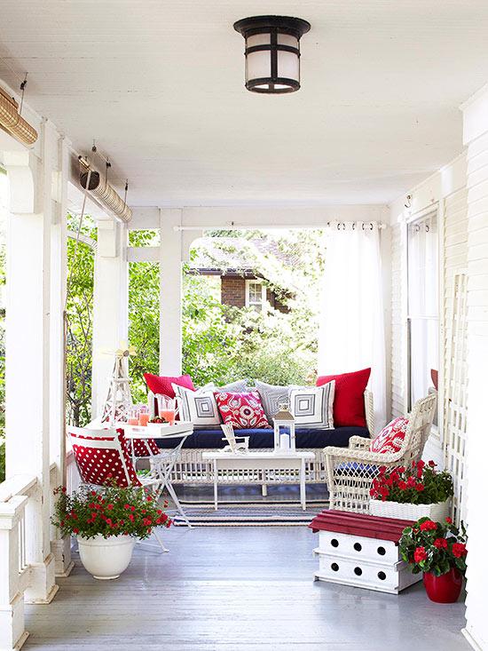 terrassengestaltung ideen veranda gartenmöbel rattan dekokissen