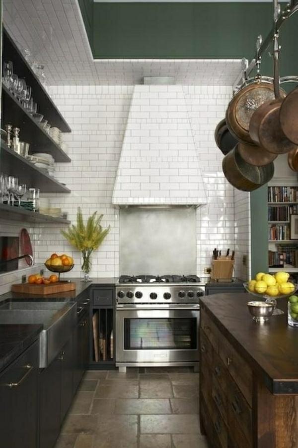 wandfliesen küche dunkel schein