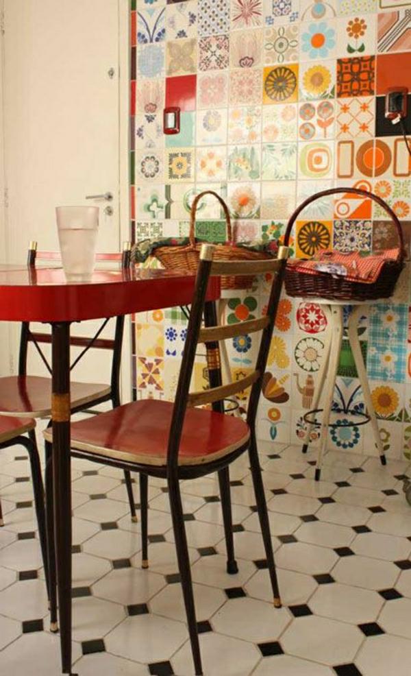 wandfliesen küche esstisch stühle