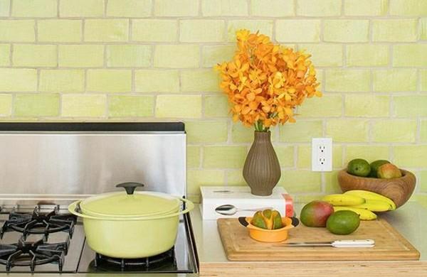 wandfliesen-küche-grün-hochglanz