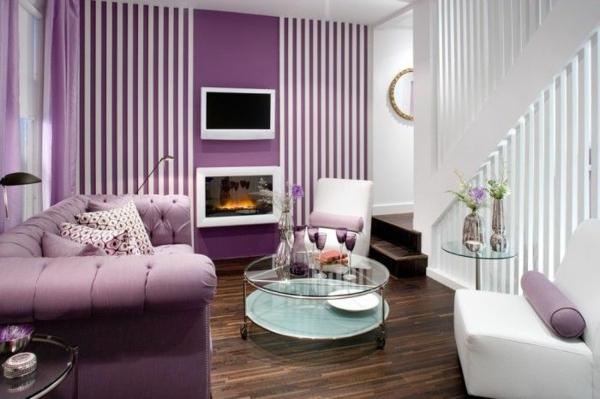 lila wohnzimmer ideen:weiß und lila zimmer ideen sofa rundtisch sessel kamin tv