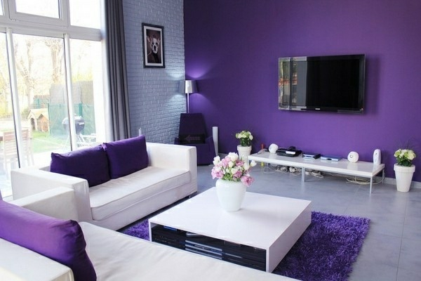 weiß und lila zimmer ideen sofas tisch teppich