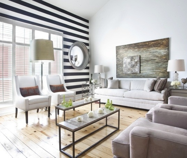 wohnideen wohnzimmertapete schwarz weiße streifen sofa