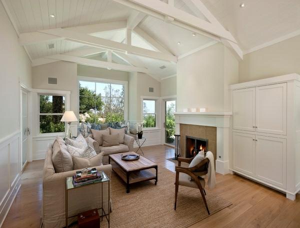 wohnzimmer designs in weiß gewölbedecke holzdielen weiß minimalistisch rustikal