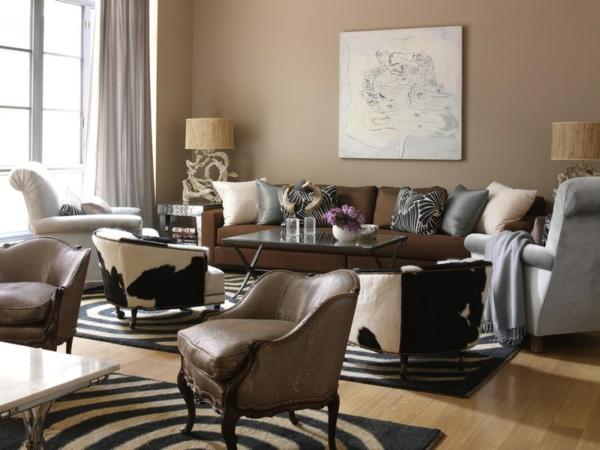 wohnzimmer einrichtungsideen wandfarbe brauntöne wandmalerei