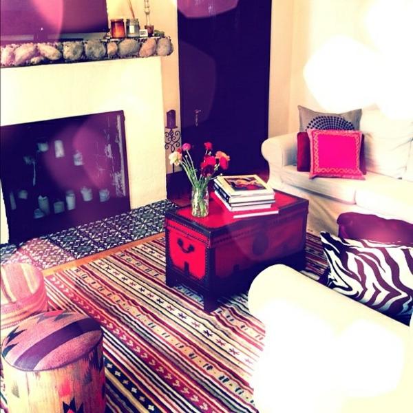 wohnzimmer im orientalischen stil lila und weiß